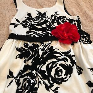 Other - Black and white Girl's dress